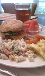 Saturday night dinner with Stephen and my sister Carolyn. It was healthy and summery: turkey burg